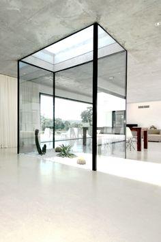 interior life size terrarium atrium #baie #vitre #lumiere #fenetre #toit