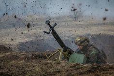 Главное за ночь: хорошие новости о курсе доллара и 85 погибших на Донбассе