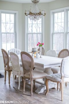 Our breakfast room was transformed with one simple purchase – the perfect dining table! It created a room that��s both modern and French inspired. | #Designthusiasm