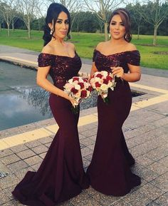 Love the colour of the bridesmaids dresses