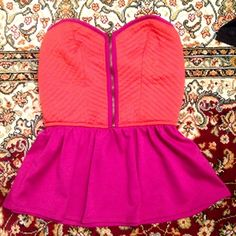 pins & needles peplum top sassy & chic, perfect for spring and summer!! as seen in the photos, there is an elastic band across the top of the short so it stays in place. no more tugging up a sleeveless top! please don't hesitate to ask any questions☺️ IM MOVING AND NEED THIS GONE ASAP Pins & Needles Tops Crop Tops