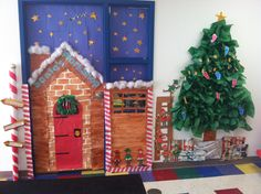 Santa's Workshop Classroom Door! School Holiday Party, Ward Christmas Party, Christmas Art, Library Decorations, Office Christmas Decorations, Holiday Decor, Decorated Doors, Christmas Classroom Door, Class Door