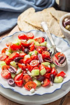 Could You Eat Pizza With Sort Two Diabetic Issues? Mediterranean Cucumber Salad Tomato And Cucumber Salad With Kalamata Olives, Red Onion, And Feta Cheese. Mediterranean Cucumber Salad, Cucumber Tomato Salad, Cucumber Juice, Avocado Salad, Cucumber Cleanse, Cucumber Water, Mediterranean Diet, Salad Recipes Low Carb, Cucumber Recipes