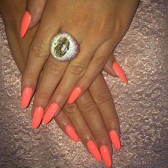 Stiletto nails- lengthy