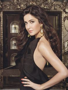 Image shared by Sãŕă Ãŝhráf. Find images and videos about katrina kaif and bollywood actress on We Heart It - the app to get lost in what you love. Bollywood Stars, Indian Bollywood, Bollywood Fashion, Movies Bollywood, Bollywood News, Most Beautiful Bollywood Actress, Beautiful Indian Actress, Indian Celebrities, Bollywood Celebrities