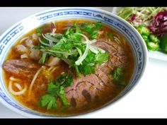Recipe: Hue-Style Spicy Beef Noodle Soup – Bún bò Huế