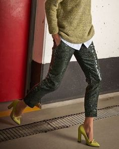 #whattoweartoday #todaysoutfit #outfitoftheday #style #fashion #streetstyle #streetfashion #sequin #trousers #green #outfit