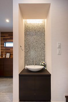 Washroom Design, Bathroom Design Layout, My Home Design, House Design, Home Entrance Decor, Washbasin Design, Countertop Basin, Simple Bedroom Decor, Wash Hand Basin