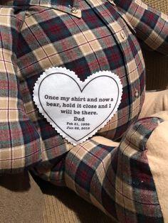 Een knuffelbeertje gemaakt uit de kleding van een overleden vader | kijk voor nog meer inspiratie voor gedenk objecten op www.rememberme.nl #memories #gedenken #aandenken #verlies #rouw #afscheid #vader #kind #knuffel #verdriet