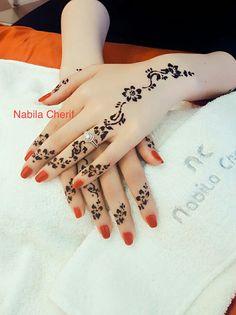 The Most Prettiest Floral Mehndi Design Pretty Henna Designs, Henna Tattoo Designs Simple, Henna Designs Feet, Finger Henna Designs, Mehndi Designs For Girls, Mehndi Designs For Fingers, Wedding Mehndi Designs, Unique Mehndi Designs, Henna Tattoo Hand