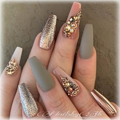 The advantage of the gel is that it allows you to enjoy your French manicure for a long time. There are four different ways to make a French manicure on gel nails. Glam Nails, Fancy Nails, Beauty Nails, Blush Nails, Matte Nails, Best Acrylic Nails, Acrylic Nail Designs, Nail Art Designs, Nails Design