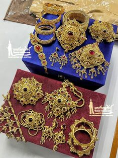 Ancient Jewelry, Antique Jewelry, Asian Outfit, Most Beautiful Gardens, Thai Art, Queen Dress, Indian Jewelry, Jewerly, Gems