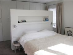Oversized headboard, floating bed, with dressing room behind the bed. oversize headboard, floating bed, with dressing area behind the bed. Headboards For Beds, Master Bedroom Closet, Loft Room, Bed In Middle Of Room, Sleeping Room, Closet Behind Bed, Bedroom Layouts, Bedroom Divider, Closet Bedroom