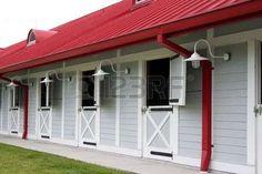 scuderia: Nice clean scuderie di cavalli. Buona illuminazione e il colore. Grande dettaglio.  Archivio Fotografico