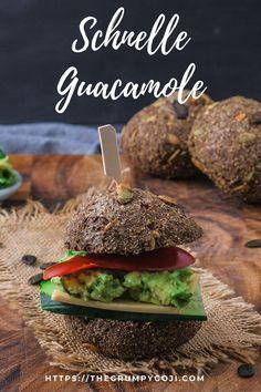 Brötchen selbst backen? Manchmal gibt es einfach nichts besseres auf der ganzen Welt, als den Geruch von backendem Brot oder Brötchen im Backofen und die Vorfreude, gleich ein Stückchen von diesem fluffig frischen, fast noch zu warmen Brot in der Hand zu halten. Eigentlich reicht ein wenig vegane Butter mit etwas Salz darauf schon aus. Manchmal darf aber auch gern etwas mehr drauf sein. Dann machen wir einen leckeren kleinen Burger daraus oder ein Sandwich mit schneller Guacamole. Superfood, Tofu, Guacamole, Avocado, Sandwiches, Salmon Burgers, Ethnic Recipes, Vegan Butter, Vegan Breakfast