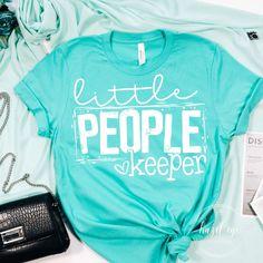 Cut Up Shirts, Old Shirts, Simple Shirts, Vinyl Shirts, Teacher Outfits, Teacher Shirts, School Shirts, Cute Shirt Designs, T Shirt Designs Inspiration