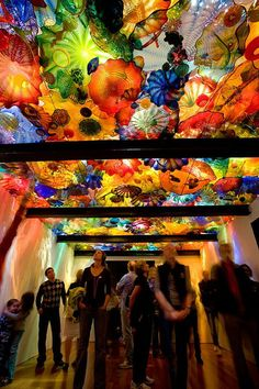 """The Virginia Museum of Fine Arts brings Dale Chihuly's ooh-inducing glass installations, including """"Persian Ceiling,"""" to Richmond in October..."""