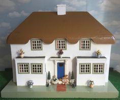 ANTIQUE LINES TRIANG DOLLS HOUSE PRINCESS ELIZABETHS PLAYHOUSE Y bwthyn Bach