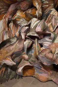 Wood installations by Henrique Oliveira Sculptures Céramiques, Sculpture Art, Land Art, Artistic Installation, Scenic Design, Arte Popular, Public Art, State Art, Art And Architecture