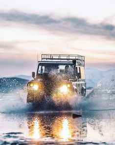 Land Rover Defender - Photographed by Aaron Brimhall (@aaronbhall)