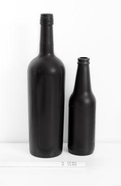 It's recession time: matt black bottles DIY_ BRON_mydubio blog_verwijder het papier van de fles / gebruik matte spuitverf (Action winkel) / laat 10min trekken / spuit nog eens / klaar