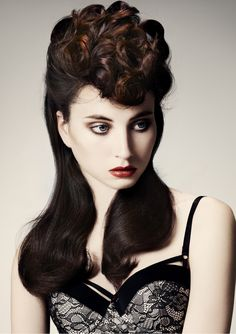 Again inspired by 1940s hat shapes, Vivian Leigh was in our minds for this look..Louise Wood @ THAC