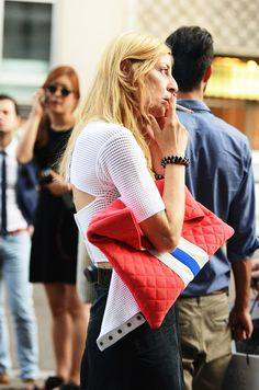 TOMMY TON | the perfect clutch