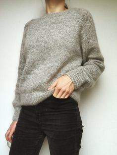 No frills sweater No frills sweater Record of Knitting Wool spinning, weaving and sewing careers such as for example BC. Raglan Pullover, Pullover Mode, Sweater Knitting Patterns, Knit Patterns, Knitting Sweaters, Ralph Lauren Pullover Herren, Office Outfits, Pulls, Long Sleeve Sweater