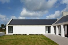 Ryan W. Kennihan Architects build for Leagaun House Galway Architecture Awards, Residential Architecture, Modern Architecture, Mediterranean Architecture, Style At Home, House Designs Ireland, Farmhouse Architecture, Rural House, Modern Cottage