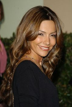 Love these caramel highlights on Vanessa Marcil