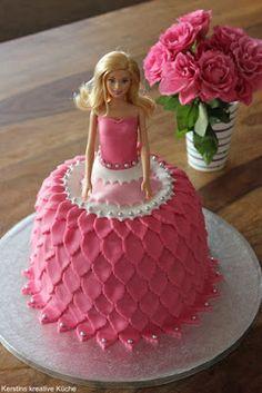 Kerstins kreative Küche: Barbie Torte