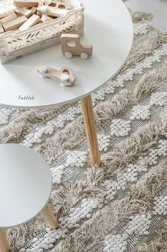 At Fabhub we create boho inspired rugs to let your living space reflect the bohemian in you. They are perfect for your living room, bedroom, and even under your bed. Boho Chic Living Room, Boho Room, Rugs In Living Room, Living Room Decor, Scandinavian Kids Rooms, Home Decor Online Shopping, Diy Kids Furniture, Home Rugs, Boutique