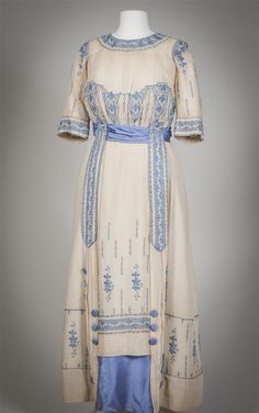 Day dress, 1913-14 From the Gemeentemuseum Den Haag via Europeana Fashion Fripperies and Fobs : Photo
