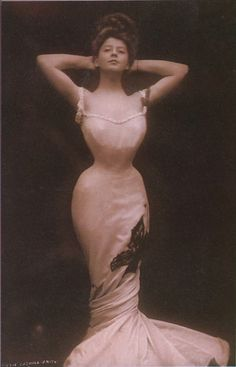 """Camille Clifford,Belgian-born stage actress and the most famous model for the """"Gibson Girl"""" illustrations."""