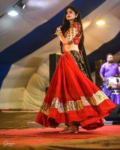 Chaniya Choli Designer, Garba Chaniya Choli, Garba Dress, Navratri Dress, Lehnga Dress, Half Saree Designs, Choli Designs, Fancy Blouse Designs, Lehenga Designs