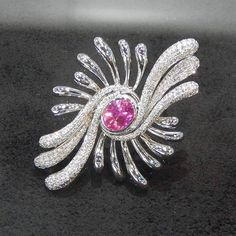 Festival of Light II brooch designed by Korean designer Park Ra Young  Courtesy: Korean Jewellery Designers Association  #korea #korean #jewellerydesign #brooch #uncommondesign #pink #gemstone #designer #unique #韓國 #sparkoflife #pinkrocks #gem #festive