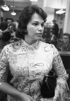 Mary Moorman waiting to be interviewed by the FBI in Dallas 11/22/63