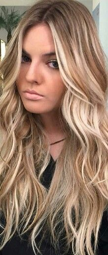 Hair Color Trends 2018 – Highlights Balayage blonde Discovred by : Jo Amato Love Hair, Great Hair, Gorgeous Hair, Awesome Hair, Blonde Balayage, Blonde Highlights, Coiffure Hair, Hair Color And Cut, Hair Looks