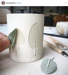 clay ceramics db - design bunker on Instagra - clay Ceramic Cups, Ceramic Pottery, Ceramic Art, Slab Pottery, Diy Clay, Clay Crafts, Pottery Videos, Concrete Crafts, Concrete Projects