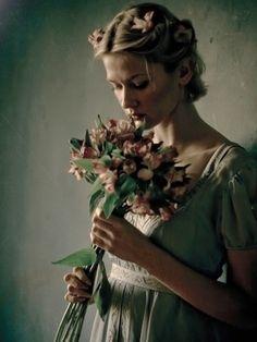 """""""Sabe, a vida pode nos mostrar um mundo lindo, cheio de coisas lindas e maravilhosas, mas só vê quem quer! Se você não quiser ver de nada adianta eu te mostrar, a vida te mostrar! Se a gente não abre os olhos, principalmente os olhos da alma, nunca verá coisa alguma."""" —Damaris Ester Dalmas"""
