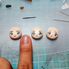 1,244 отметок «Нравится», 17 комментариев — Handmade by Clay with Fern 🎠💎 (@claywithfern) в Instagram: «See how small and detailed my #kawaii #chibi heads are. Everything is clay! 😊✌ #polymerclay»