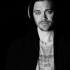 """Tom Payne on Instagram: """"Big things around the corner. Opportunity out of air. The oxymoronic situation of finding balance when all is in flux. An actors everyday…"""" Tom Payne, Prodigal Son, Gorgeous Men, Beautiful, Around The Corner, Toms, Instagram, Archer, Walking Dead"""