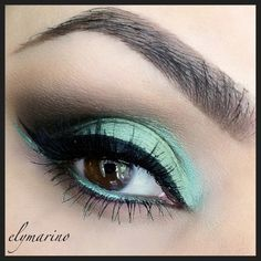 Minted – Makeup Geek: corrupt, peach smoothie, shimmermint gel liner-immortal, mystic.