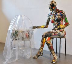 Dario Tironi - Dario Tironi is an Italian artist who enjoys creating unique art installations and sculptures. However, Tironi doesn't use paint or traditional mat. Sculpture Projects, Sculpture Art, Art Projects, Metal Sculptures, Recycled Toys, Recycled Art, Recycled Materials, Mannequin Art, Junk Art