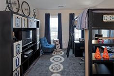 31 days of Loving Where You Live: Day 23, Tween Boys Room - Organize and Decorate Everything