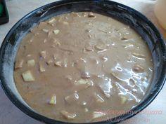 Η μηλόπιτα που έκλεψε την παράσταση, στον καφέ με τις φίλες μου τις μέρες της Πρωτοχρονιάς!!! Φανταστική μηλόπιτα! Η γλυκιά β... Greek Sweets, Apple Pear, Cake Bars, Greek Recipes, My Coffee, Cheeseburger Chowder, Food Processor Recipes, Biscuits, Deserts