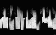 Old and broken piano keys