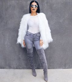 #GreySeries Top & Jeans @hotmiamistyles Boots @lolashoetiquedolls Coat @lioness_official Shades @sorellaboutique