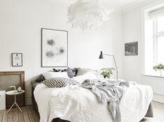 White bedroom #white #bedroom #scandinavian #plants #pendants