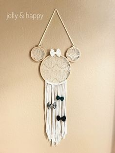 A quick and easy DIY to make this boho chic Disney themed bow holder. It also makes a super cute Minnie Mouse wall decor for any Disney fan!